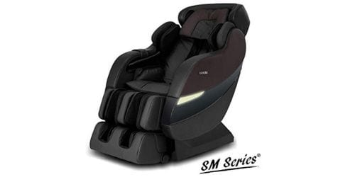 The SM-7300 massage chair expertly massages from spine area to neck and towards the lower back.