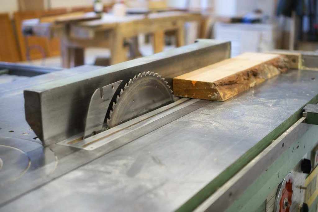 Best Table saw with wood material