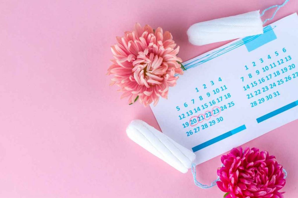 2 Tampons with calendar and flower