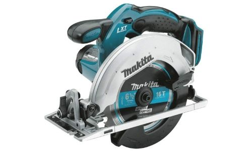 Having the power of 3700rpm, Makita's another competitive cordless circular saw with 18 volts of battery