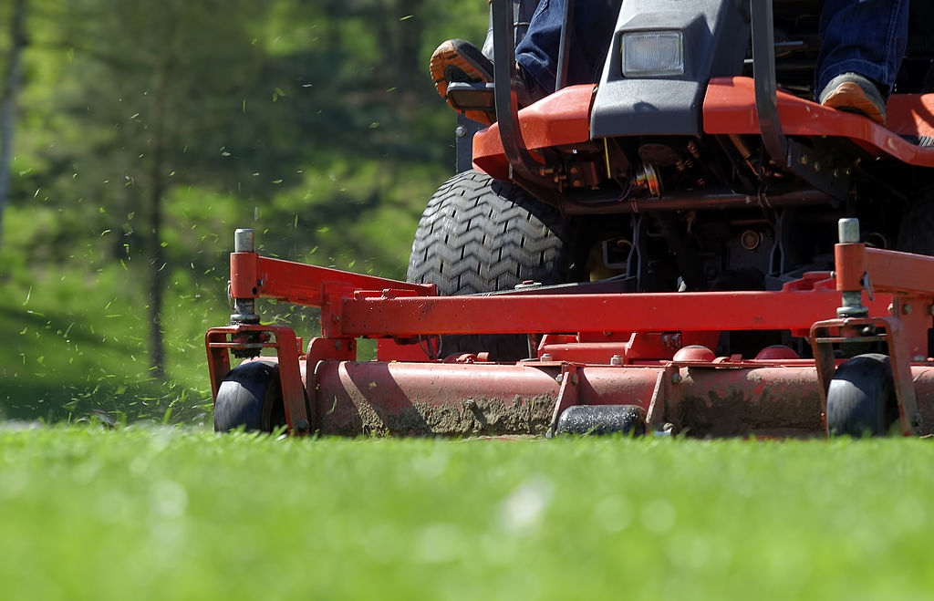 HOW ARE ZERO TURN MOWERS BENEFICIAL