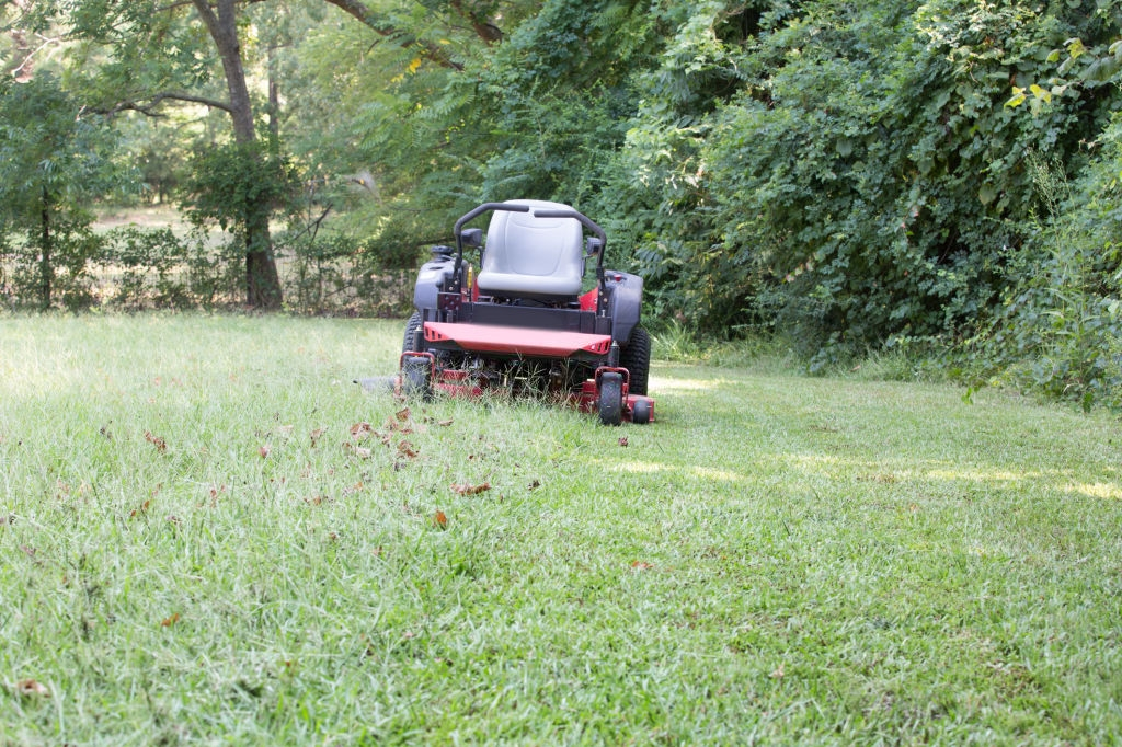 essential features of zero turn mowers