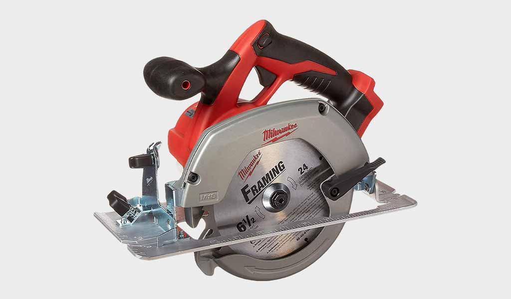 Milwaukee 2630-20 comes with a magnesium guard